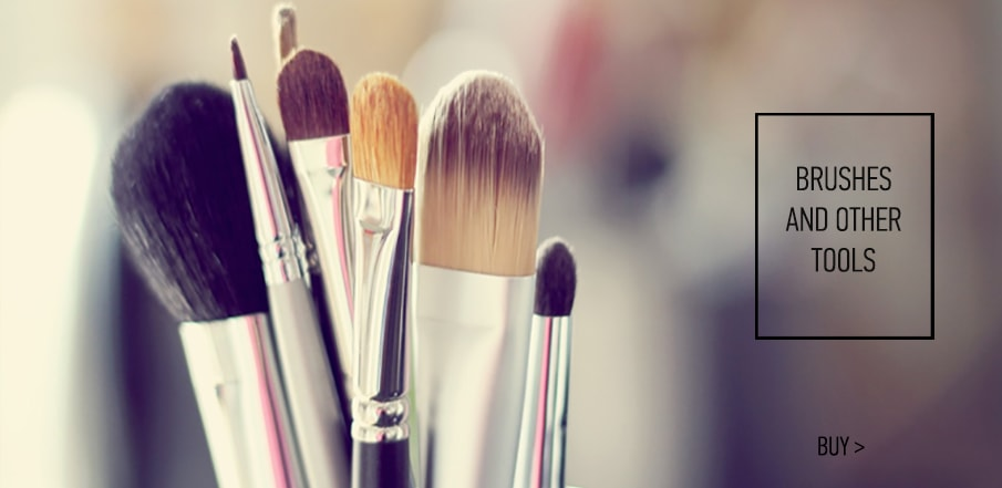 Make-Up Brushes and Tools